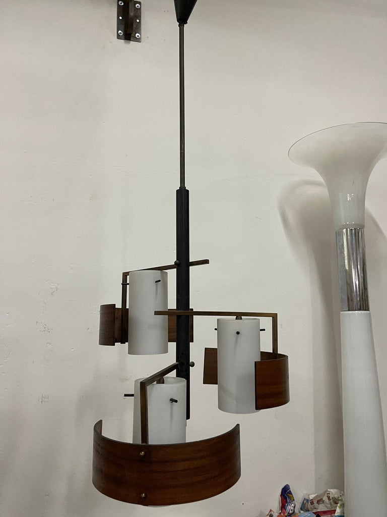 Chandelier 3 lights 1960s in perfect style of the Italian design of the time attributable to the Stilnovo company.