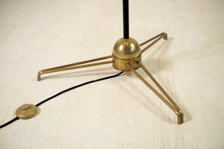 Stilnovo, Adjustable Tripod Floor Lamp, Italy, 1950 In Good Condition For Sale In Catonvielle, FR