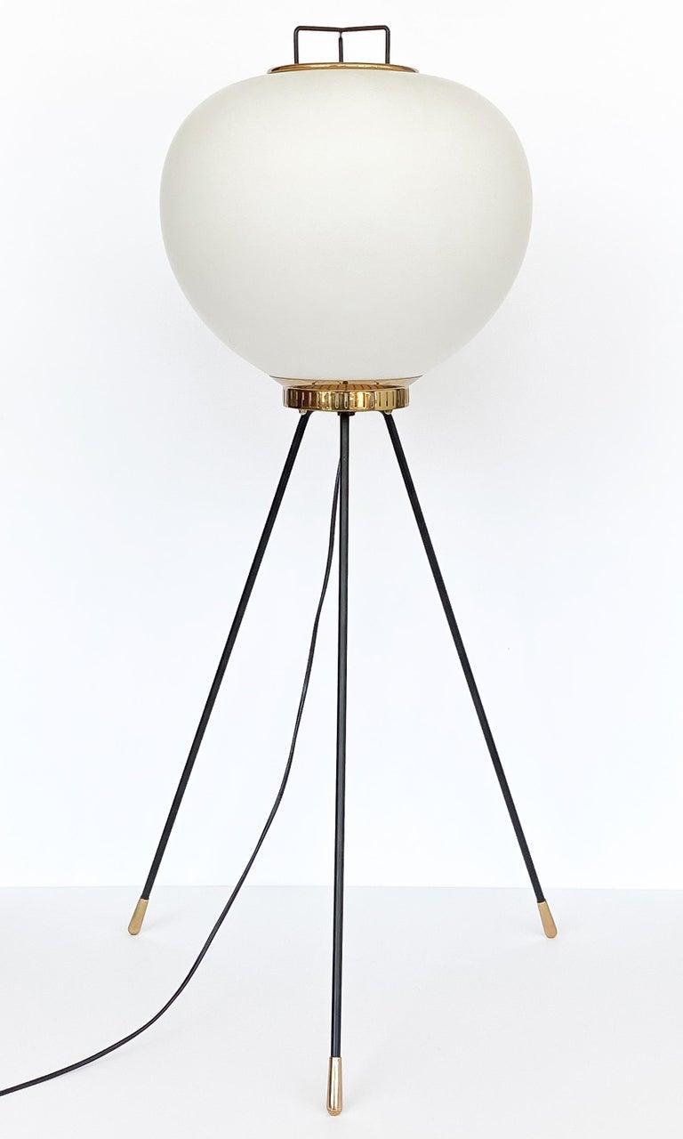 Mid-Century Modern Stilnovo Brass and Opaline Glass Tripod Floor Lamp For Sale