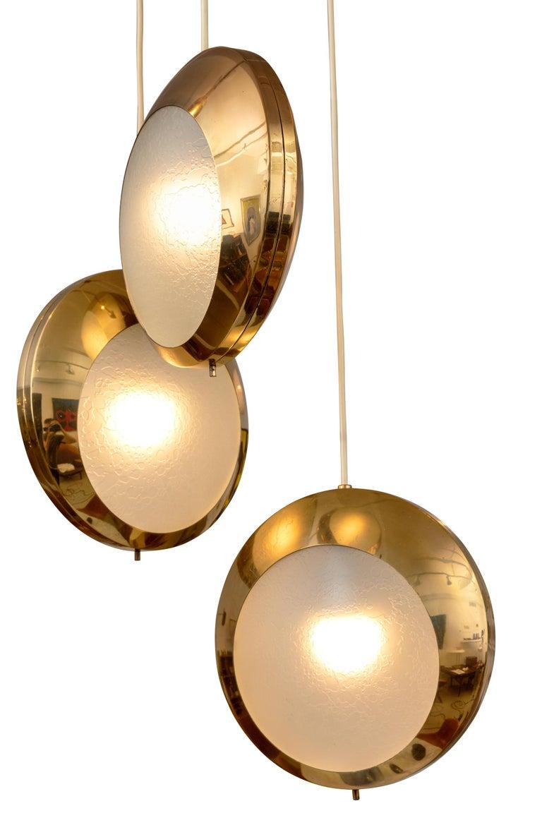 Mid-Century Modern Stilnovo Brass & Textured Glass Three Pendant Light, Italy, 1950s For Sale