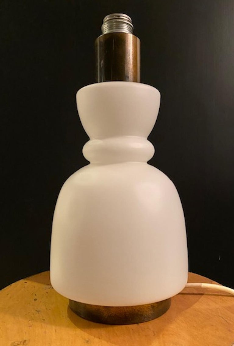 Stilnovo Cased Glass and Brass Table Lamp For Sale 2
