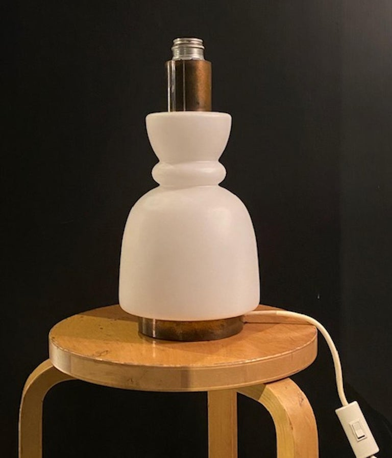 Stilnovo Cased Glass and Brass Table Lamp For Sale 3