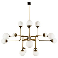 Stilnovo Chandelier Eighteen Lights Brass White Glass 1950, Italian