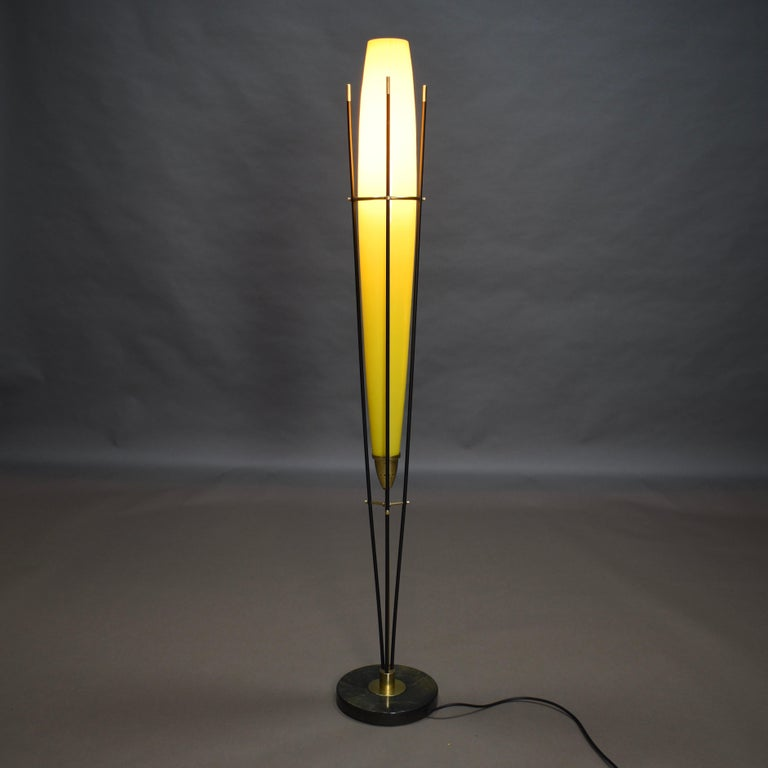 Mid-Century Modern Stilnovo Floor Lamp in Hand Blown Murano Glass and Brass, Italy, circa 1950 For Sale