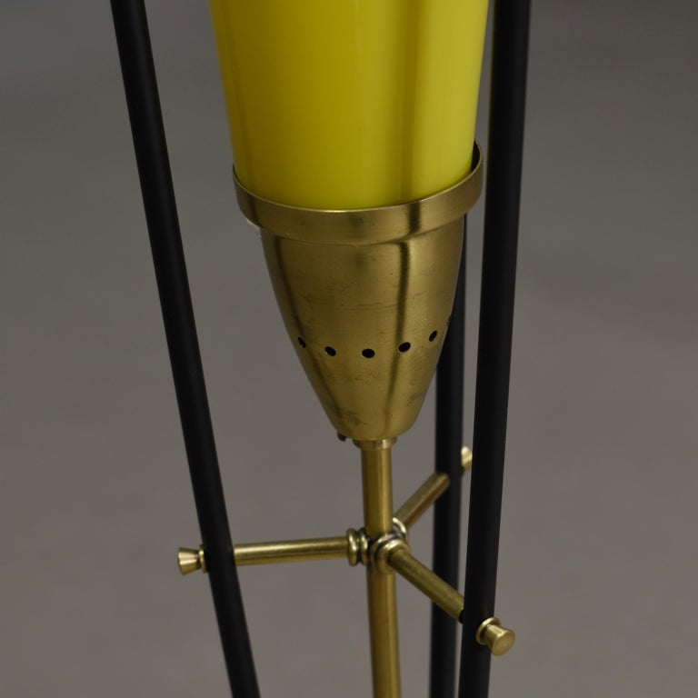 Stilnovo Floor Lamp in Hand Blown Murano Glass and Brass, Italy, circa 1950 For Sale 2