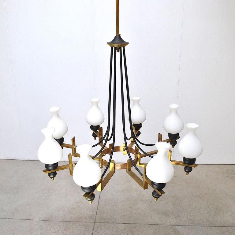 Stilnovo in the Manner Italian Century Chandelier in Brass and Opaline For Sale 4