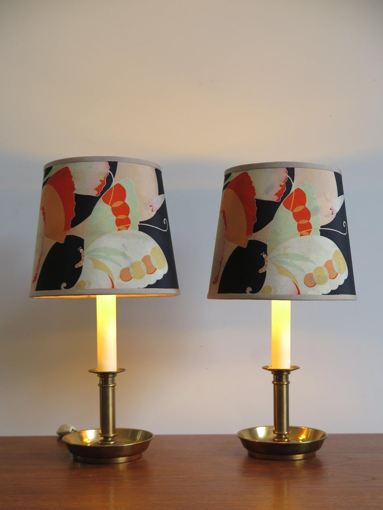 Set of two Italian table lamps or lampshades, '8095' model, produced by Stilnovo with brass base and lacquered aluminum, original Stilnovo labels under the bases, circa 1965.
