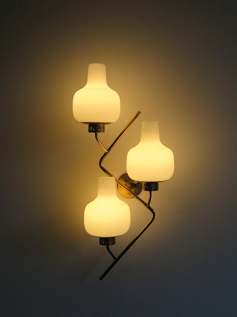 Mid-Century Modern Stilnovo Italian Midcentury Big Brass Glass Sconces Wall Lamp, 1950s For Sale
