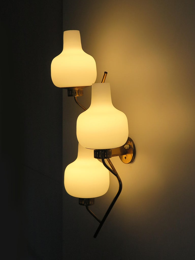 Stilnovo Italian Midcentury Big Brass Glass Sconces Wall Lamp, 1950s For Sale 1
