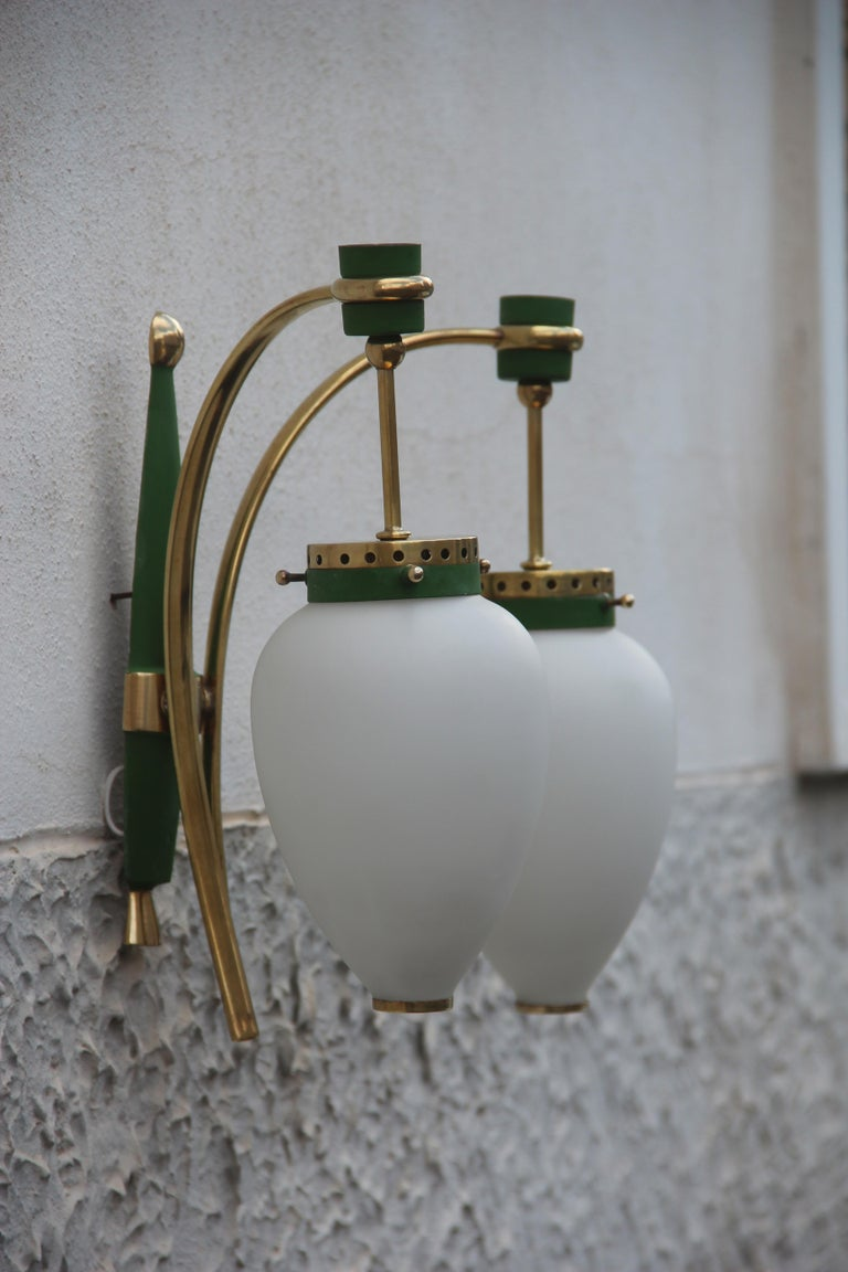 Stilnovo Style White Glass Green and Golden Brass Italian Sconces, 1958 In Good Condition For Sale In Palermo, Sicily