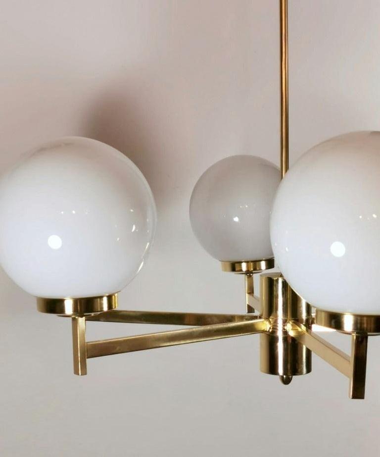 Stilnovo Italian Vintage Brass Chandelier, Opaline Glass Spheres For Sale 5