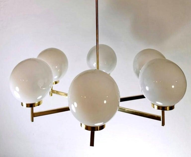 Mid-Century Modern Stilnovo Italian Vintage Brass Chandelier, Opaline Glass Spheres For Sale