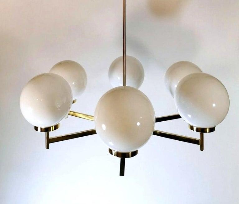 Stilnovo Italian Vintage Brass Chandelier, Opaline Glass Spheres In Good Condition For Sale In Prato, Tuscany