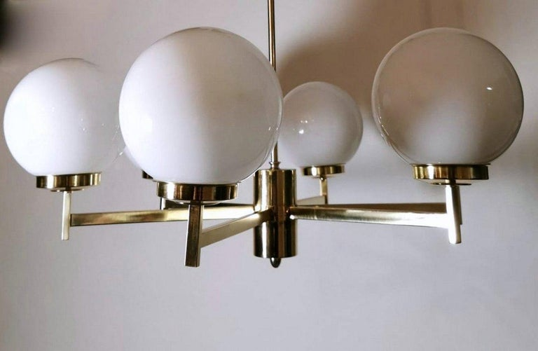 Stilnovo Italian Vintage Brass Chandelier, Opaline Glass Spheres For Sale 3