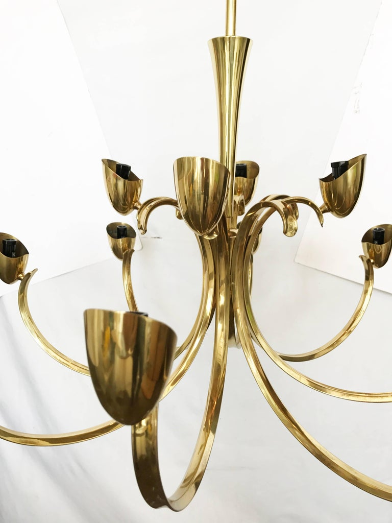 Mid-20th Century Stilnovo Mid-Century Modern 12-Light Brass Chandelier & Blown Glass Shades Italy For Sale