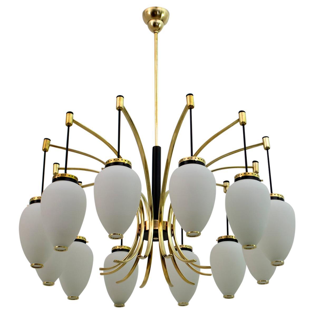 Stilnovo Mid-Century Modern Italian Brass Opaline Glass 12-Light Chandelier, 50s