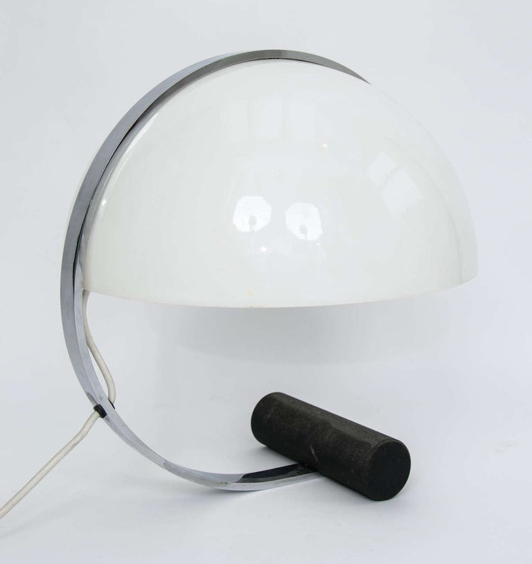 Steel Stilnovo Mid-Century Modern Table Lamp White Acrylic, Black Base, Italy 1970s For Sale