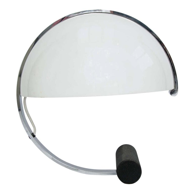 Stilnovo Mid-Century Modern Table Lamp White Acrylic, Black Base, Italy 1970s For Sale