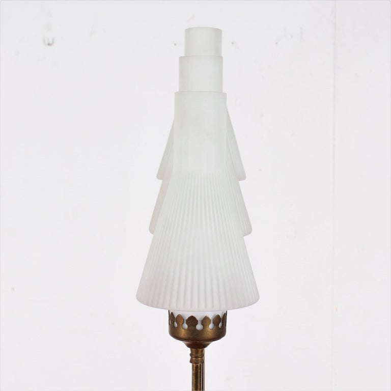 Mid-20th Century Stilnovo Midcentury White Opaline Glass and Brass Floor Lamp, 1960s, Italy For Sale