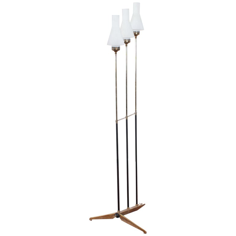 Stilnovo Midcentury White Opaline Glass and Brass Floor Lamp, 1960s, Italy For Sale