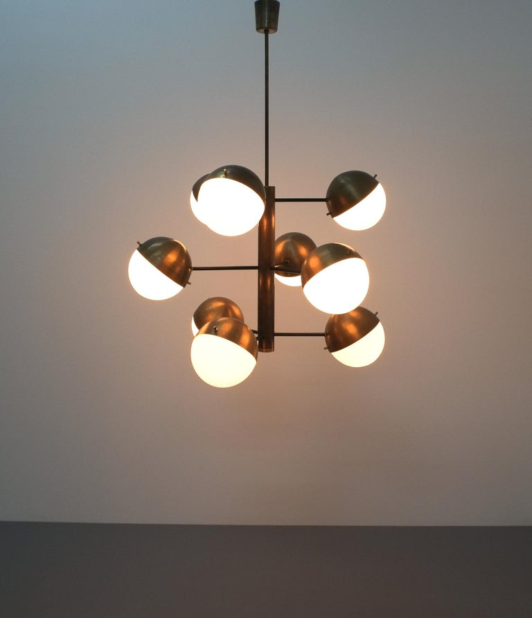 Stilnovo Midcentury Brass Opaline Glass Chandelier, Italy, circa 1950 For Sale 6