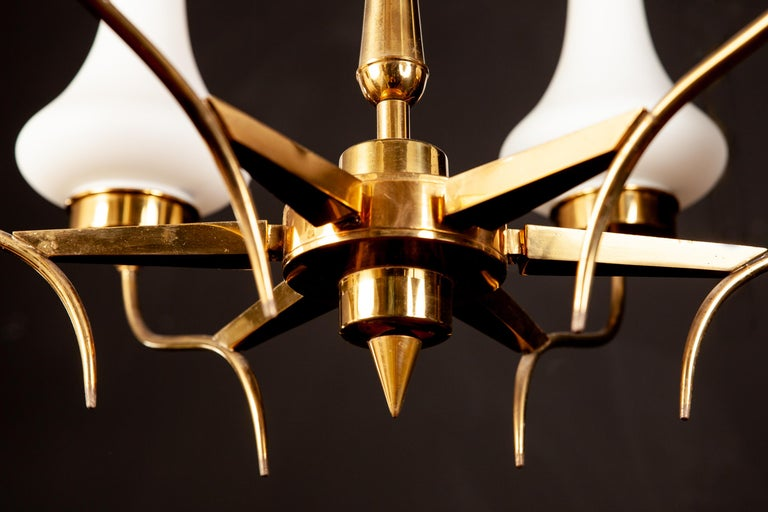 Stilnovo Attributed Brass and Murano Glass Chandelier, Italy, 1960s For Sale 3