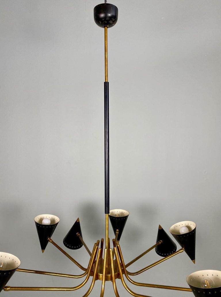 Stilnovo Midcentury Twelve-Arm Brass Italian Chandelier, 1960 For Sale 1