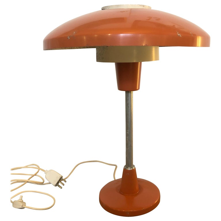 Stilnovo Mod. 8022 Mid-Century Modern Orange and White Table Lamp, circa 1960 For Sale