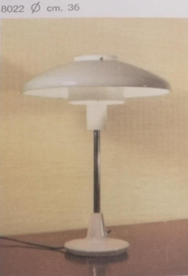 Mid-20th Century Stilnovo Mod. 8026 Grey White Black Lacquared Aluminium Table Lamp, Italy, 1960s For Sale