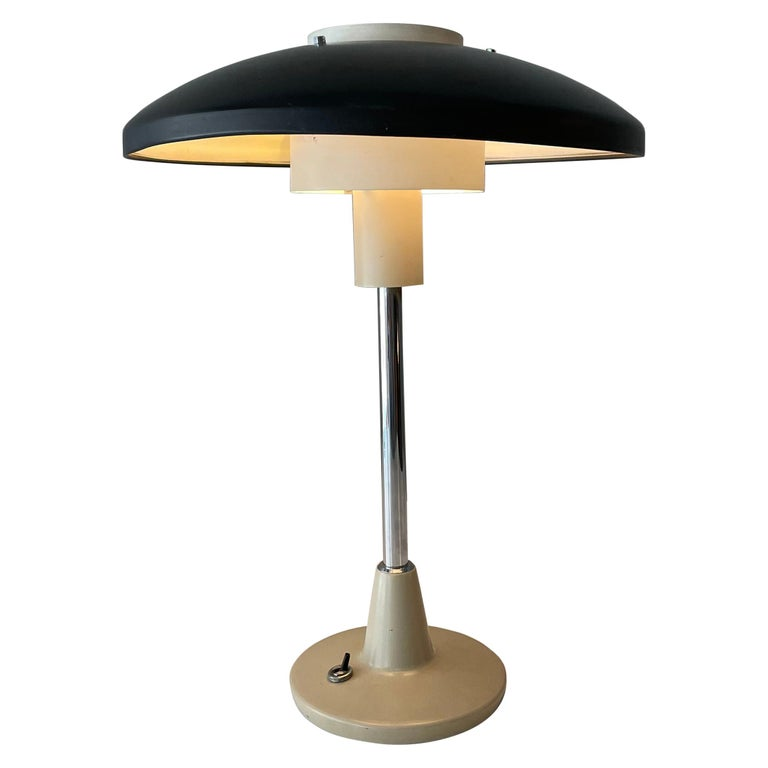Stilnovo Mod. 8026 Grey White Black Lacquared Aluminium Table Lamp, Italy, 1960s For Sale