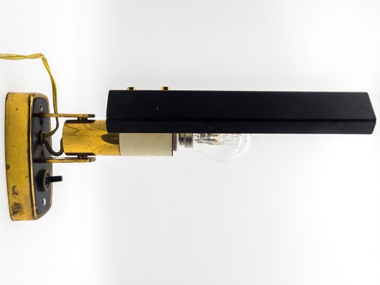 Polished Stilnovo Model '2133' Labeled Midcentury Brass Adjustable Wall Light, 1950s For Sale