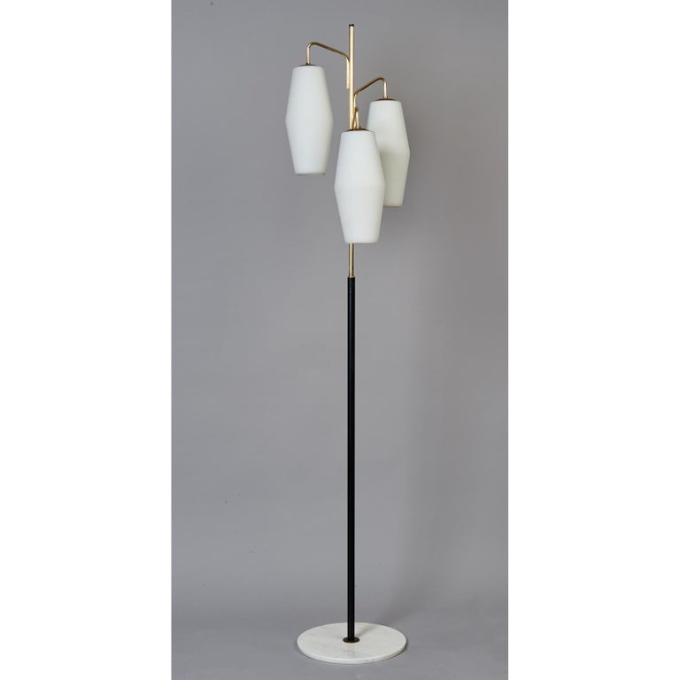 Stilnovo Monumental Floor Lamp in Marble and White Glass, Italy 1950's For Sale 1