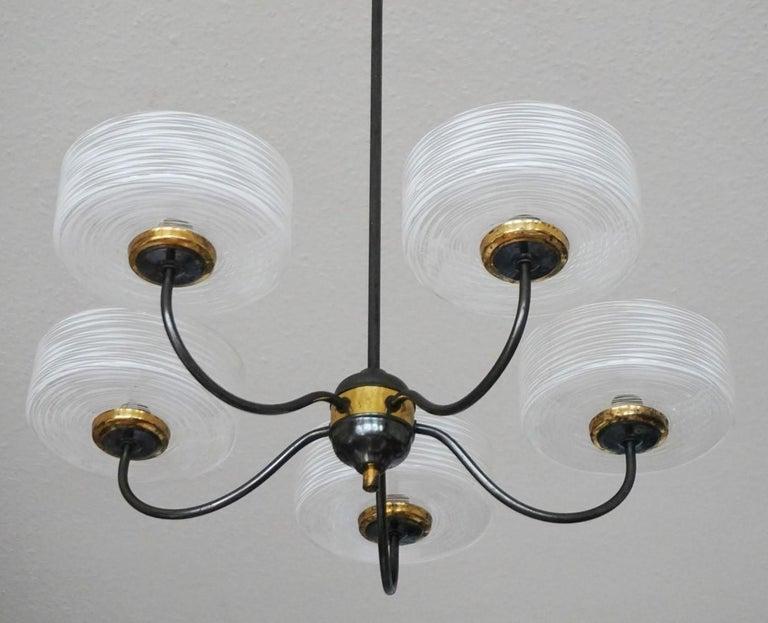 Mid-Century Modern Stilnovo Murano Glass Brass Five-Arm Chandelier, Italy, 1950-1959 For Sale