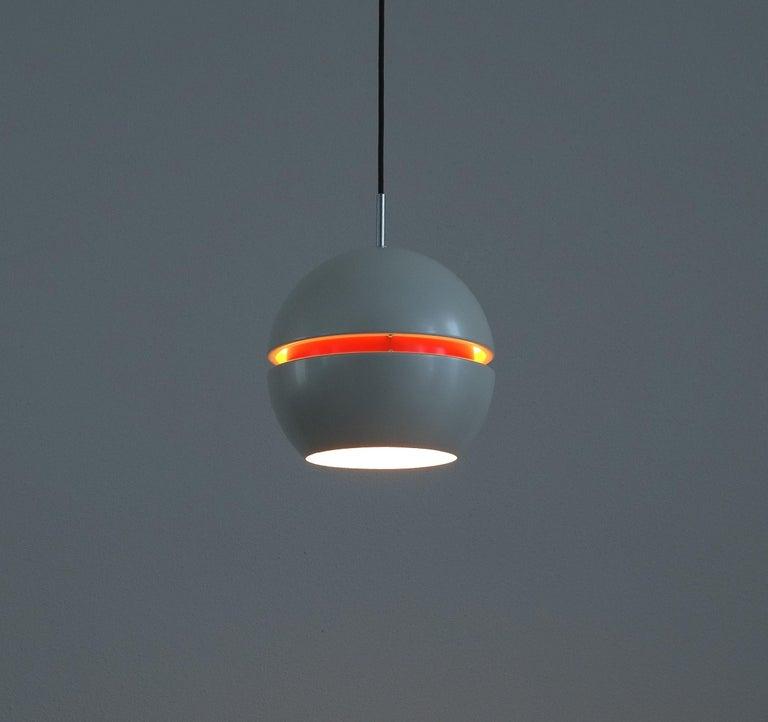 Mid-Century Modern Stilnovo Pearl White Red Globe Pendant Lamp, circa 1965 For Sale