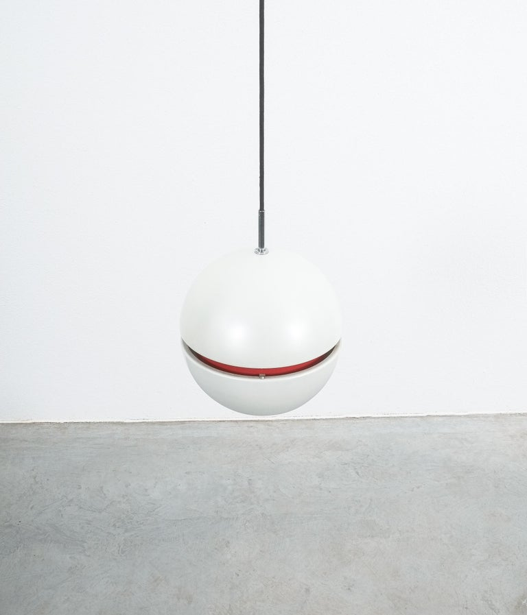 Stilnovo Pearl White Red Globe Pendant Lamp, circa 1965 In Good Condition For Sale In Vienna, AT