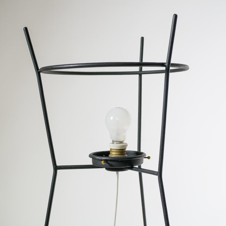 Stilnovo Satin Glass Floor Lamp, 1950s In Good Condition For Sale In Vienna, AT