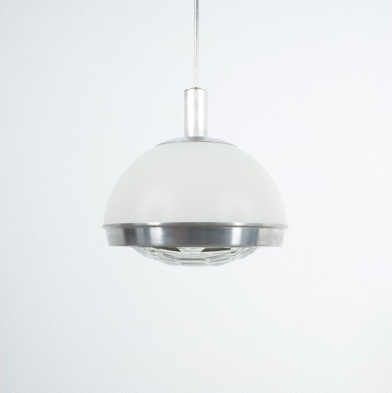 Mid-Century Modern Stilnovo Translucent Optical Honeycomb Glass Pendant Lamp Glass, circa 1965 For Sale