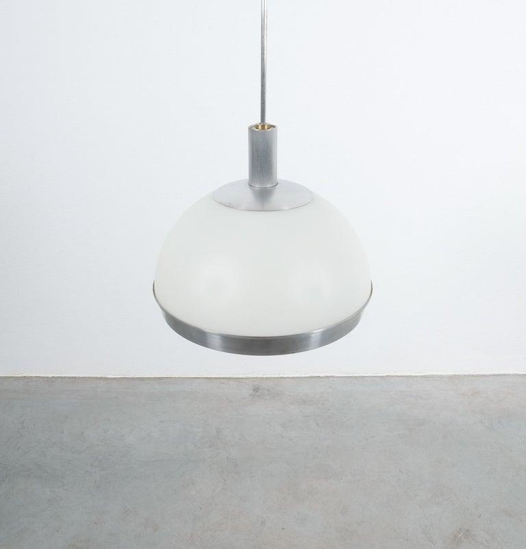 Stilnovo Translucent Optical Honeycomb Glass Pendant Lamp Glass, circa 1965 For Sale 1