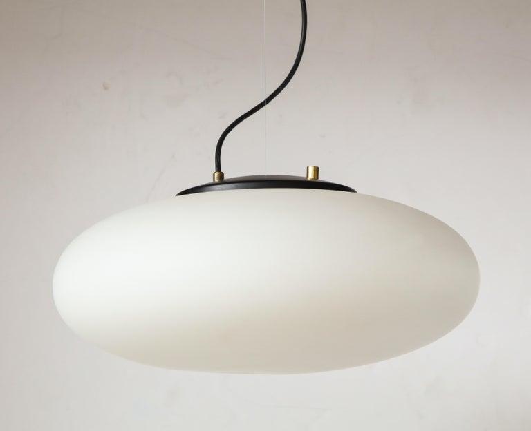 Stilnovo White Glass Suspension Light/ 'UFO' Chandelier, Italy circa 1950s-1960s For Sale 1