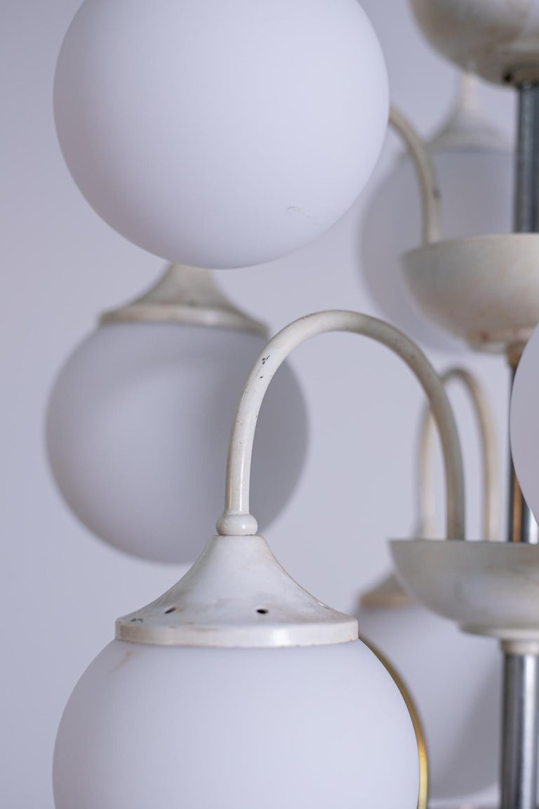 Stilnovo White Pendant Chandelier in Painted Brass with 18 Lights, 1950s For Sale 2