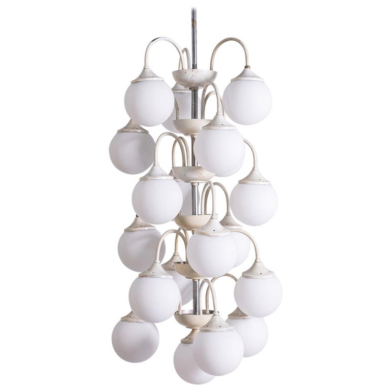 Stilnovo White Pendant Chandelier in Painted Brass with 18 Lights, 1950s For Sale