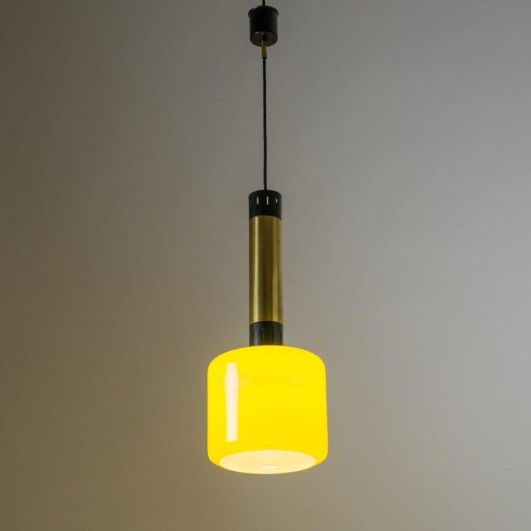 Mid-Century Modern Stilnovo Yellow Glass Pendant, 1950s For Sale