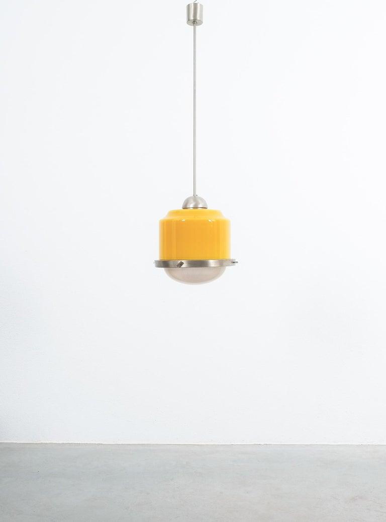 Mid-Century Modern Stilnovo Yellow Glass Pendant Lamp Glass, circa 1950 For Sale