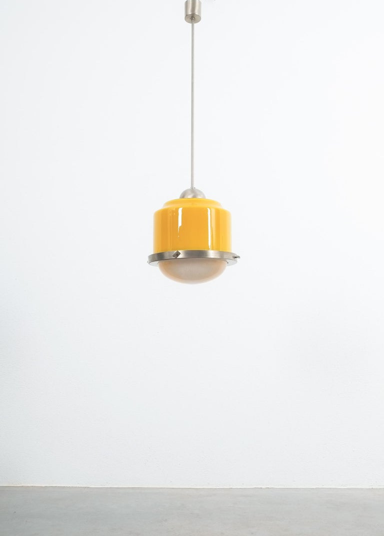Stilnovo Yellow Glass Pendant Lamp Glass, circa 1950 In Good Condition For Sale In Vienna, AT
