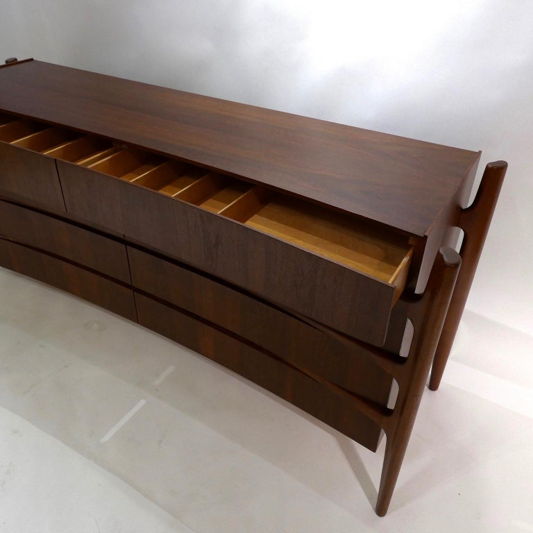 Stilted Curved Scandinavian Mid-Century Modern William Hinn Chest or Dresser For Sale 5