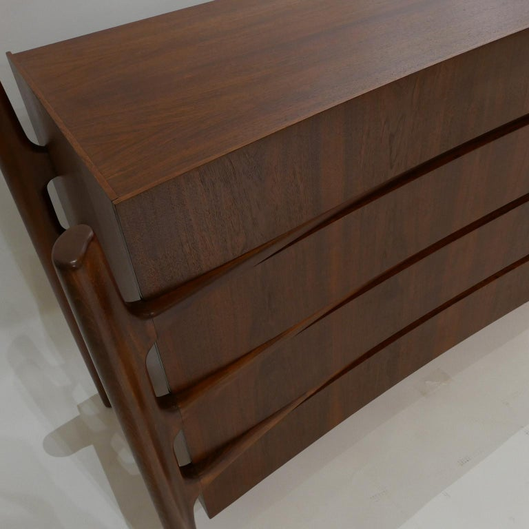 Stilted Curved Scandinavian Mid-Century Modern William Hinn Chest or Dresser For Sale 8