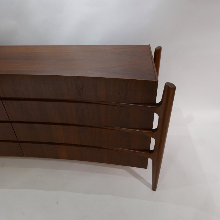 Stilted Curved Scandinavian Mid-Century Modern William Hinn Chest or Dresser For Sale 12