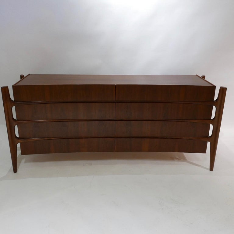Stilted Curved Scandinavian Mid-Century Modern William Hinn Chest or Dresser For Sale 2