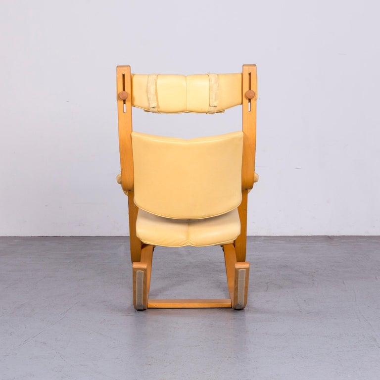 Stokke Gravity Balans Designer Leather Chair Rocking Chair Crème 7
