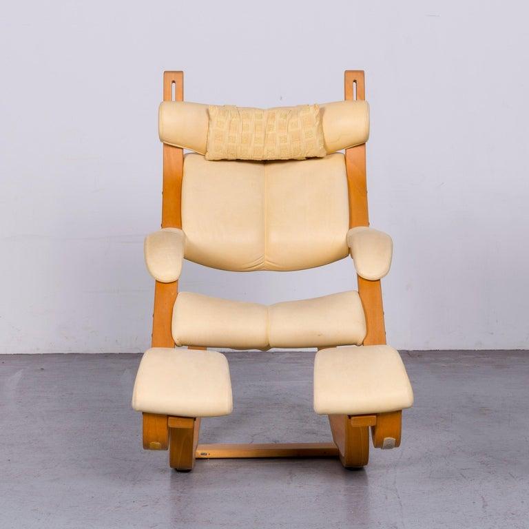 German Stokke Gravity Balans Designer Leather Chair Rocking Chair Crème